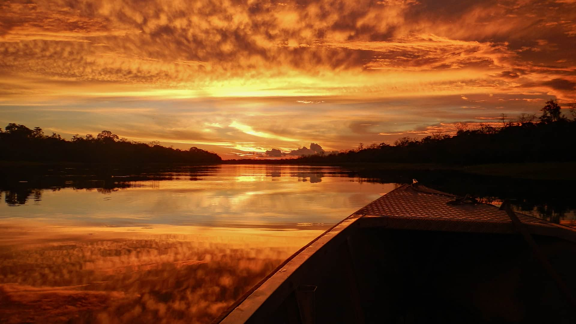 11sunset over river | Responsible Travel Peru