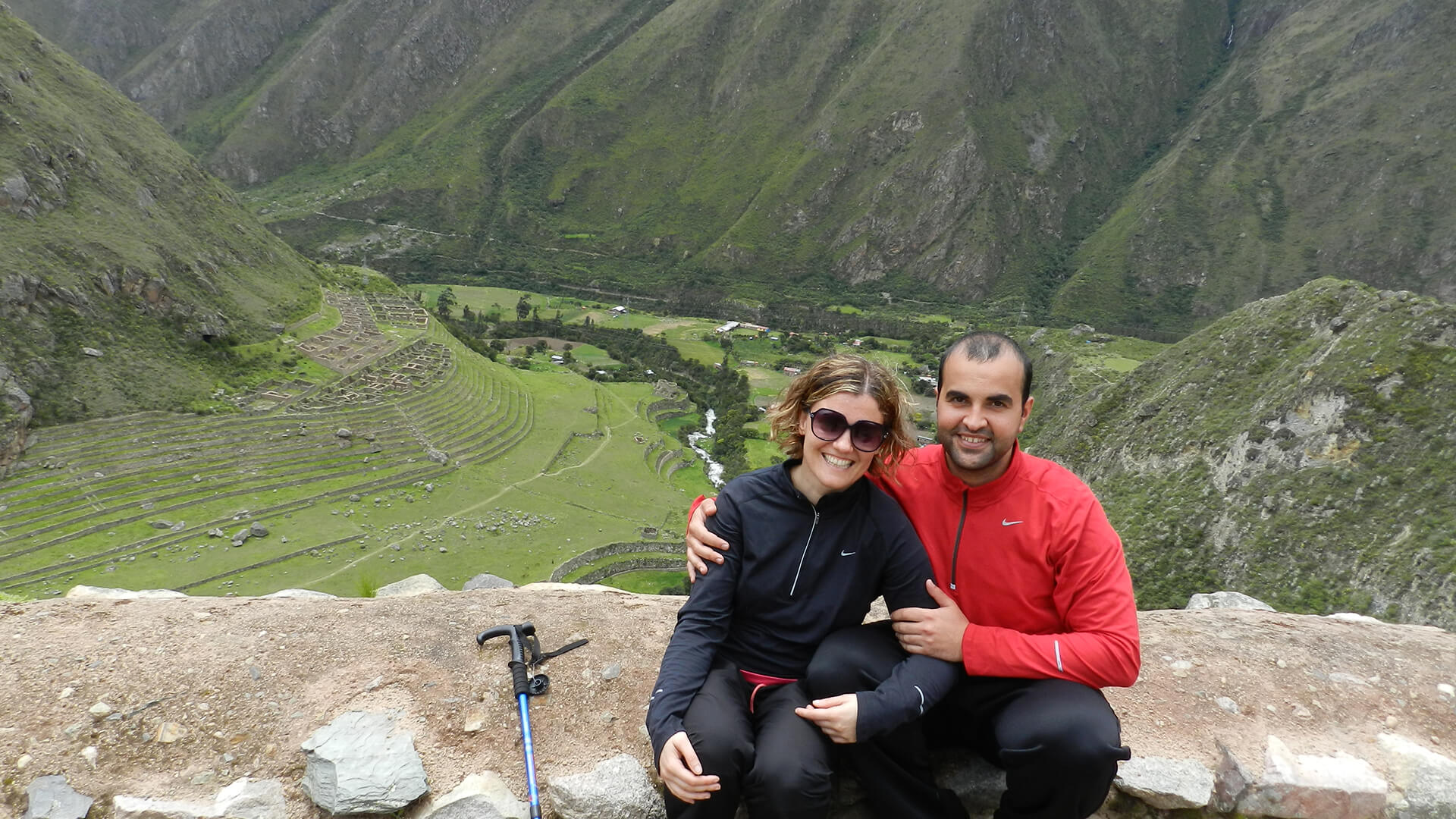 Happy couple of Inca trail trekkers at Llactapata | Responsible Travel Peru